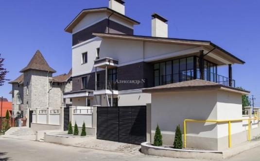 4-этажный дом (Совиньон/Звездная/Мирный пр.) - улица Совиньон/Звездная/Мирный пр. за