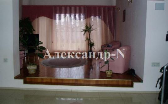 3-этажный дом (Авдеева-Черноморского/Шклярука) - улица Авдеева-Черноморского/Шклярука за