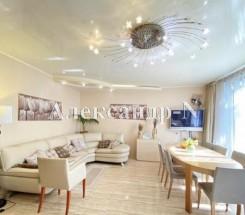 3-этажный дом (Дача Ковалевского) - улица Дача Ковалевского за 4 995 000 грн.