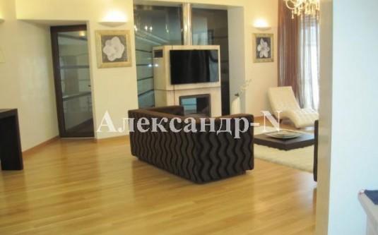 2-этажный дом (Урожайная/Авдеева-Черноморского) - улица Урожайная/Авдеева-Черноморского за