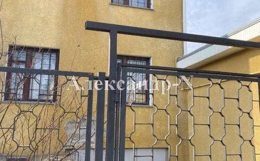 3-этажный дом (Нерубайское/Линия 2-Я/Глория) - улица Нерубайское/Линия 2-Я/Глория за