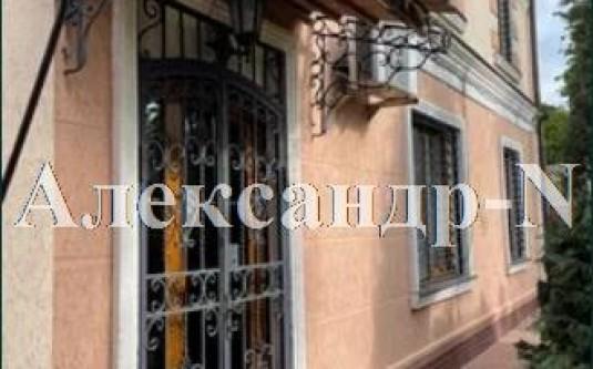 2-этажный дом (Украинки Леси) - улица Украинки Леси за