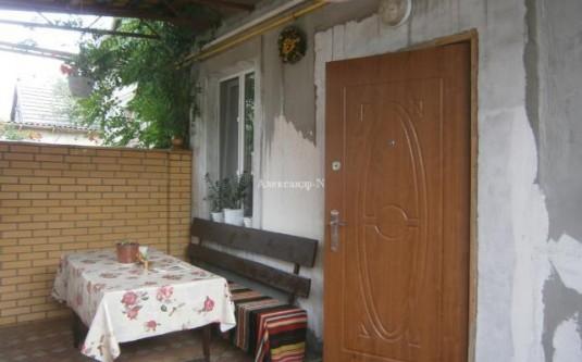 2-этажный дом (Линия 10-Я/Добровольского пр.) - улица Линия 10-Я/Добровольского пр. за