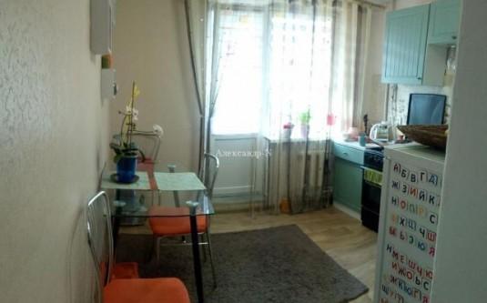 3-этажный дом (Керченская) - улица Керченская за
