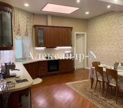 3-комнатная квартира (Базарная/Екатерининская) - улица Базарная/Екатерининская за 4 480 000 грн.