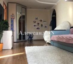 4-комнатная квартира (Жукова Марш. пр./Тульская) - улица Жукова Марш. пр./Тульская за 1 204 000 грн.