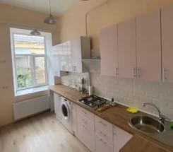 4-комнатная квартира (Нежинская/Торговая) - улица Нежинская/Торговая за 2 100 000 грн.