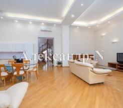5-комнатная квартира (Сабанеев Мост/Гоголя) - улица Сабанеев Мост/Гоголя за 7 830 000 грн.