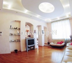 5-комнатная квартира (Пироговская/Семинарская) - улица Пироговская/Семинарская за 9 720 000 грн.