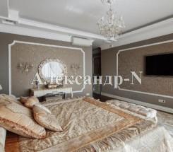 4-комнатная квартира (Литературная/Белый Парус) - улица Литературная/Белый Парус за 950 000 у.е.