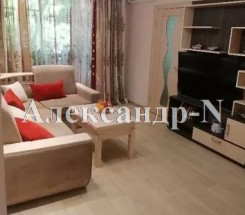 4-комнатная квартира (Радостная/Петрова Ген.) - улица Радостная/Петрова Ген. за 1 372 000 грн.