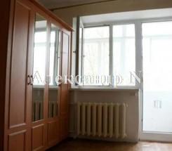 2-комнатная квартира (Комарова/Петрова Ген.) - улица Комарова/Петрова Ген. за 32 000 у.е.