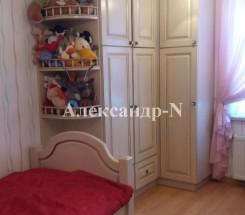 3-комнатная квартира (Жолио-Кюри/Заболотного Ак.) - улица Жолио-Кюри/Заболотного Ак. за 1 350 000 грн.