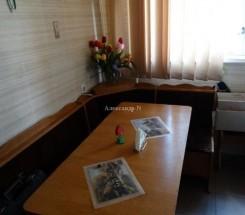 3-комнатная квартира (Кузнецова Кап./Крымская) - улица Кузнецова Кап./Крымская за 999 000 грн.